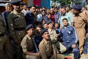 Его Святейшество Далай-лама с военнослужащими индийской армии, расквартированными в Шринагаре. Штат Джаму и Кашмир, Индия. 17 июля 2012 г. Фото: Тензин Чойджор (Офис ЕСДЛ)