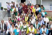 Его Святейшество Далай-лама на встрече с тибетскими коммерсантами в Шринагаре. Штат Джаму и Кашмир, Индия. 15 июля 2012 г. Фото: Тензин Чойджор (Офис ЕСДЛ)