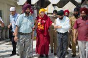 Его Святейшество Далай-лама у гурудвары Чатти Падшахи в Шринагаре. Штат Джаму и Кашмир, Индия. 17 июля 2012 г. Фото: Тензин Чойджор (Офис ЕСДЛ)