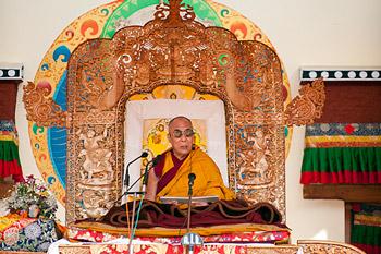 Второй день учений Его Святейшества Далай-ламы в Лехе