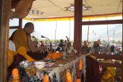 На третий, заключительный день учений в Падуме, Занскар, Его Святейшество Далай-лама даровал посвящение Авалокитешвары. Штат Джамму и Кашмир, Индия. 30 июля 2012 г. Фото: Тензин Такла (Офис ЕСДЛ)