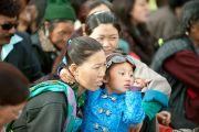 Слушателия во время учений Его Святейшества Далай-ламы в Лехе, Ладак. Штат Джамму и Кашмир, Индия. 5 августа 2012 г. Фото: Джереми Рассел (офис ЕСДЛ)