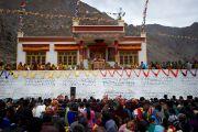 Его Святейшество Далай-лама дарует учения в Дха-Бема, отдаленном районе Ладака, населенном индо-арийскими племенами. Штат Джамму и Кашмир, Индия. 11 августа 2012 г. Фото:  Namgyal AV Archive