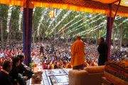 Его Святейшество Далай-лама обращается с речью к жителям Кхалси, Ладак. Штат Джамму и Кашмир, Индия. 11 августа 2012 г. Фото:  Тензин Такла (Офис ЕСДЛ)