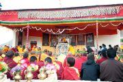 Во время учений Его Святейшества Далай-ламы в монастыре Шачукул, расположенном в отдаленном районе Ладака Чангтанг. Штат Джамму и Кашмир, Индия. 9 августа 2012 г. Фото: Тензин Такла (Офис ЕСДЛ)