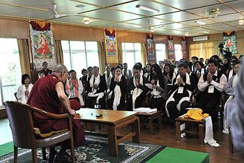 Его Святейшество Далай-лама встретился с группой из Вьетнама