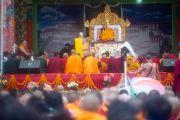 Во время учений Его Святейшества Далай-ламы в парке Норлинг. Тибетское поселение Декьилинг неподалеку от г. Дехрадун, Индия. 14 сентября 2012 г. Фото: Тензин Чойджор (Офис ЕСДЛ)