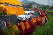 Котреж Его Святейшества Далай-ламы прибыл в библиотеку Сонгцен в тибетском поселении Декьилинг неподалеку от г. Дехрадун, Индия. 14 сентября 2012 г. Фото: Тензин Чойджор (Офис ЕСДЛ)