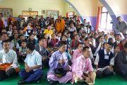Его Святейшество Далай-лама фотографируется с учениками тибетской школы Нгонга для детей с особыми потребностями. Тибетское поселение Декьилинг неподалеку от г. Дехрадун, Индия. 14 сентября 2012 г. Фото: Тензин Чойджор (Офис ЕСДЛ)