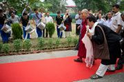 """Его Святейшество Далай-лама прибыл в филиал """"Тибетской детской деревни"""" в Селаки неподалеку от Дехрадуна, Индия. 15 сентября 2012 г. Фото: Тензин Чойджор (Офис ЕСДЛ)"""