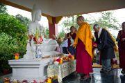 Его Святейшество Далай-лама во время посещения ретритного центра Тхекчог Самтенлинг в окрестностях Дехрадуна, Индия. 16 сентября 2012 г. Фото: Тензин Чойджор (Офис ЕСДЛ)