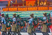 """Выступление учеников школ на праздновании юбилея фонда """"Тибетские дома"""" в Массури, Индия. 17 сентября 2012 г. Фото: Тензин Чойджор (Офис ЕСДЛ)"""