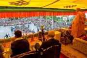 """Его Святейшество Далай-лама выступает на праздновании юбилея фонда """"Тибетские дома"""" в Массури, Индия. 17 сентября 2012 г. Фото: Тензин Чойджор (Офис ЕСДЛ)"""