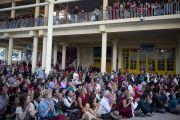 На учения Его Святейшества Далай-ламы собрались несколько тысяч последователей из 60 стран. Дхарамсала, Индия. 1 октября 2012 г. Фото: Тензин Чойджор (Офис ЕСЛД)