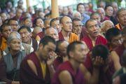 Во время учений Его Святейшества Далай-ламы для буддистов из Тайваня. Дхарамсала, Индия. 2 октября 2012 г. Фото: Тензин Чойджор (Офис ЕСЛД)