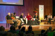 """Пенни Чизхолм делает доклад на форуме Глобальные системы 2.0"""", который проходил в Массачусетском технологическом институте. Бостон, штат Массачусетс, США. 15 октября 2012 г. Фото: Christopher Michel"""