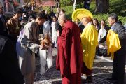 Его Святейшество Далай-ламу встречают в тибетском буддийском центре за всеобщий мир До-нгак Кунпенлинг в Рэддинге, штат Коннектикут, США. 18 октября 2012 г. Фото: Джереми Рассел (Офис ЕСДЛ)