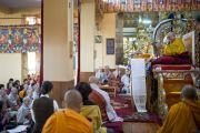 Во время учений Его Святейшества Далай-ламы, дарованных по просьбе буддистов из Кореи. Дхарамсала, Индия. 30 октября 2012 г. Фото: Тензин Чойджор (Офис ЕСДЛ)