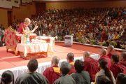 Его Святейшество Далай-лама встречается с тибетцами, живущими в Бангалоре. Штат Карнатака, Индия. 27 ноября 2012 г. Фото: Джереми Рассел (Офис ЕСДЛ)