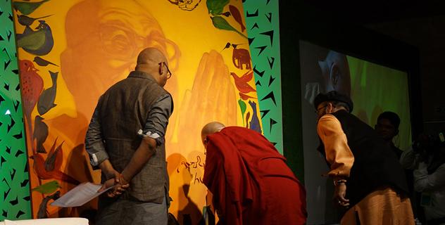 Его Святейшество Далай-лама принял участие во Всемирном дне сострадания в Мумбаи, посвященном вопросам защиты животных