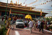 Его Святейшество Далай-лама покидает монастырь Ганден Шарцзе в Мандгоде. Штат Карнатака, Индия. 29 ноября 2012 г. Фото: Manuel Bauer