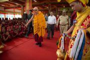 Его Святейшество Далай-лама в большом молитвенном зале монастыря Ганден Шарцзе в Мандгоде. Штат Карнатака, Индия. 29 ноября 2012 г. Фото: Manuel Bauer
