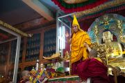 Его Святейшество Далай-лама в большом молитвенном зале монастыря Дрепунг в Мандгоде. Штат Карнатака, Индия. 29 ноября 2012 г. Фото: Тензин Чойджор (Офис ЕСДЛ)