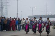 Тибетские артисты ожидают прибытия Его Святейшества Далай-ламы на празднование 50-летия со дня основания в Дели тибетской общины Самьелинг. Нью-Дели, Индия. 26 декабря 2012 г. Фото: Тензин Чойджор (Офис ЕСДЛ)