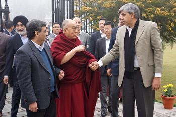 Далай-лама принял участие в диалоге по вопросам науки, этики и образования в Делийском университете
