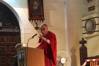 Его Святейшество Далай-лама посетил колледж Святого Франциска Ксаверия в Мумбаи