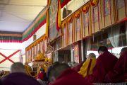 "Его Святейшество Далай-лама дарует учения по тексту Шантидевы ""Бодхичарья-аватара"" в Сарнатхе, Индия. 9 января 2013 г. Фото: Тензин Чойджор (Офис ЕСДЛ)"