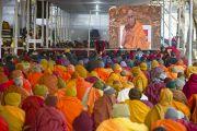 На учения Его Святейшества Далай-ламы в Сарнатхе, Индия, собрались более 6000 человек.  8 января 2013 г. Фото: Тензин Чойджор (Офис ЕСДЛ)