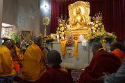 Его Святейшество Далай-лама в храме Мулагандха Кути Вихар в Сарнатхе, Индия. 11 января 2013 г. Фото: Джереми Рассел (Офис ЕСДЛ)