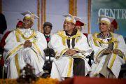 Преподаватели Университета штата Химачал-Прадеш в Шахпуре слушают выступление Его Святейшества Далай-ламы. 28 февраля 2013 г. Фото: Тензин Чойджор (Офис ЕСДЛ)