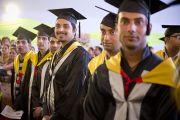 Некоторые из студентов Университета штата Химачал-Прадеш в Шахпуре, получивших ученые степени на торжественной церемонии в присутствии Его Святейшества Далай-ламы. Индия. 28 февраля 2013 г. Фото: Тензин Чойджор (Офис ЕСДЛ)