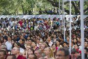 Некоторые из слушателей учений Его Святейшества Далай-ламы в парке «Будда Джаянти», организованных Тибетским домом и центром медитации «Тушита». Нью-Дели, Индия. 9 марта 2013 г. Фото: Тензин Чойджор (офис ЕСДЛ).