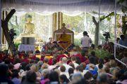 Во время учений Его Святейшества Далай-ламы в парке «Будда Джаянти», организованных Тибетским домом и центром медитации «Тушита». Нью-Дели, Индия. 9 марта 2013 г. Фото: Тензин Чойджор (офис ЕСДЛ).