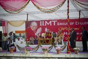 Его Святейшество Далай-лама отвечает на вопросы в Индийском институте управления. 11 марта 2013 г. Мирут, штат Уттар-Прадеш, Индий. Фото: Тензин Чойджор (офис ЕСДЛ).
