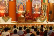Его Святейшество Далай-лама выступает перед учащимися 10-12 классов в Нью-Дели, Индия. 23 марта 2013 г. Фото: Джереми Рассел (Офис ЕСДЛ)