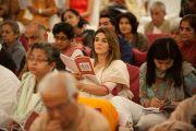 Гости слушают Его Святейшество Далай-ламу во время учений в Нью-Дели, Индия. 23 марта 2013 г. Фото: Тензин Пунцог (NAVA)