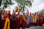 Группа монахов в ожидании Его Святейшества Далай-ламы в Равангле, штат Сикким, Индия. 24 марта 2013 г. Фото: Тензин Чойджор (офис ЕСДЛ).