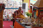 Его Святейшество Далай-лама проводит подготовительные ритуалы перед посвящением Авалокитешвары в Салугаре. Западная Бенгалия, Индия. 29 марта 2013 г. Фото: Тензин Чойджор (офис ЕСДЛ).