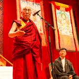 Далай-лама даровал во Фрайбурге посвящение Белой Тары и прочитал лекцию о светской этике