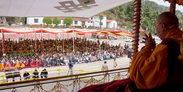 """В Далхузи Его Святейшество Далай-лама даровал учения по тексту """"Тридцать семь практик бодхисаттвы"""""""