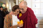 Его Святейшество Далай-лама и посол Индии в Швейцарии Читра Нараянан. Берн, Швейцария. 16 апреля 2013 г. Фото: Manuel Bauer