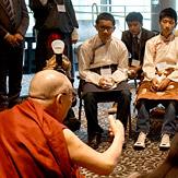 Его Святейшество Далай-лама встретился с тибетскими студентами в Портленде в штате Орегон