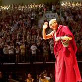 Далай-лама принял участие в симпозиуме «Жизнь после жизни» в колледже Майтрипы и провел беседу о путях, ведущих к миру и счастью, в Орегонском университете