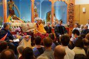 Его Святейшество Далай-лама выступает в колледже Майтрипы. Портленд, штат Орегон, США. 10 мая 2013 г. Фото: Джереми Рассел (офис ЕСДЛ)