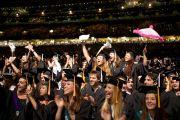 На торжественную церемонию вручения дипломов Тулейнского университета собрались около тридцати тысяч человек, в том числе две тысячи восемьсот выпускников. Новый Орлеан, штат Луизиана, США. 18 мая 2013 г. Фото: Sabree Hill