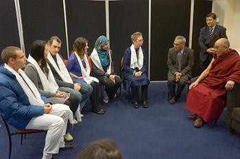 В Крайстчерче Его Святейшество Далай-лама встретился с парламентариями и студентами
